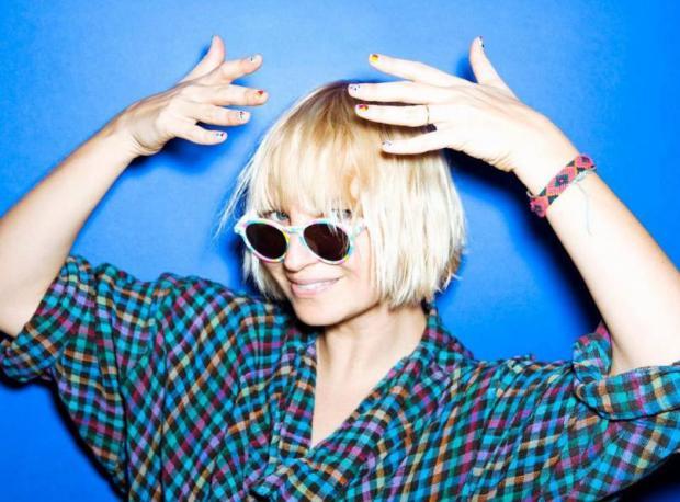 Yeni Şarkı: Sia