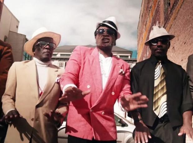 """""""Uptown Funk"""" Yaşlandı"""