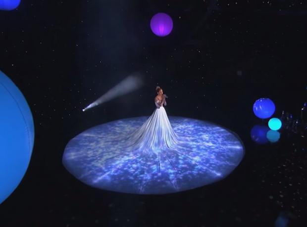 Canlı Performans: Jennifer Lopez