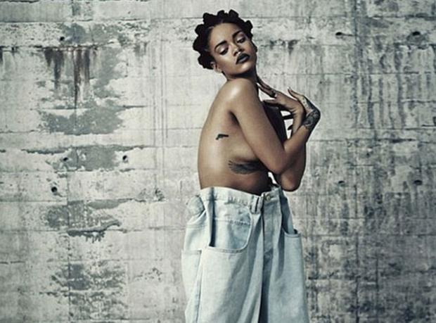 Rihanna 90'lara Döndü