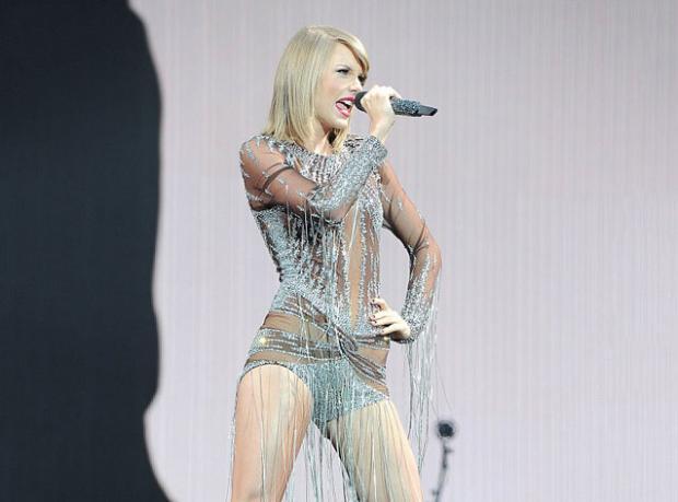 Gecenin Galibi Taylor Swift!