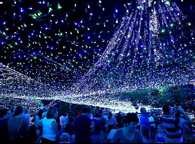 maxresdefault (1)(1) - Evlerini 502 Bin Işıkla Donattılar