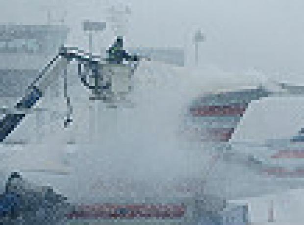 New York'ta kar alarmı hayatı durdurdu