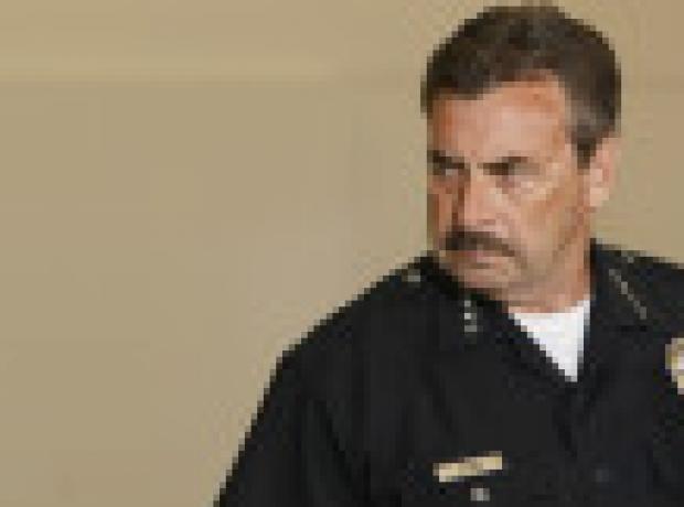 Los Angeles Emniyeti: Vurulan siyah evsiz polisin silahını almaya çalıştı