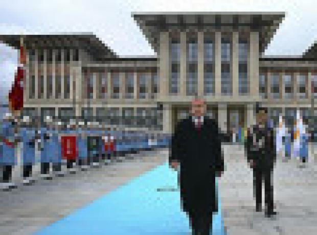 FT: Türkiye'nin bölgesel emelleri dostlarıyla birlikte yok oluyor