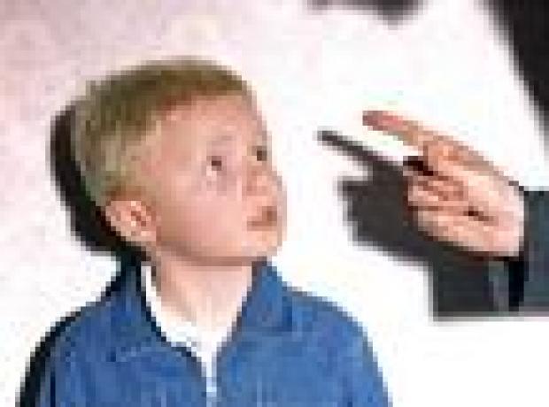 Avrupa Konseyi'nden Fransa'ya: Çocuğa dayak atmayı yasaklayın