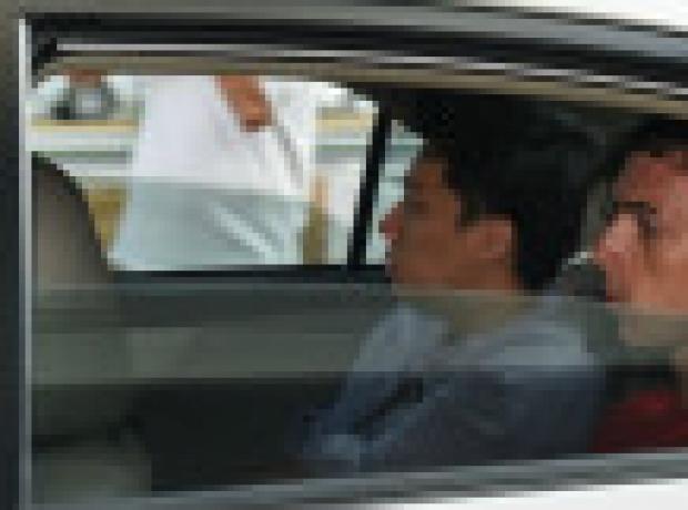 Singapur'dan iki Almana hapis ve dayak cezası