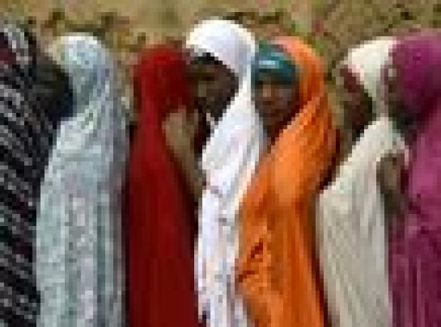 Nijerya seçimlerine şiddet ve 'teknik sorun' engeli