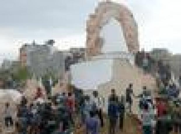 Nepal'de 7.9 büyüklüğünde deprem