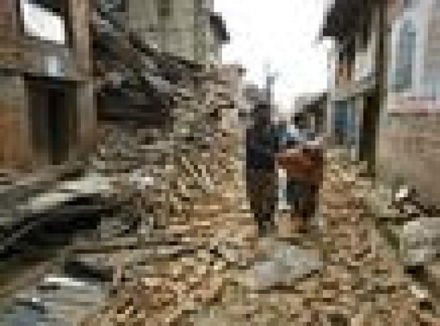 Nepal'de deprem sonrası ölü sayısı artıyor