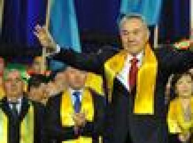 Kazakistan: Nazarbayev yüzde 97.7 ile 5. kez