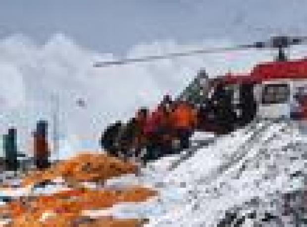 Nepal depremini yaşayan dağcı: Everest'ten araba büyüklüğünde kayalar yağdı