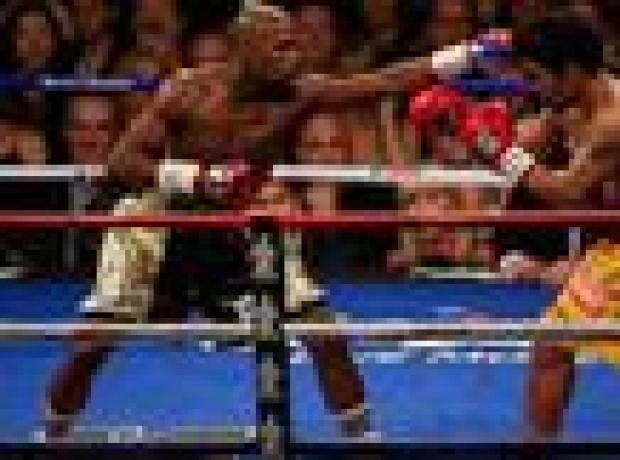 Tarihteki en yüksek ödüllü boks maçında galip Mayweather