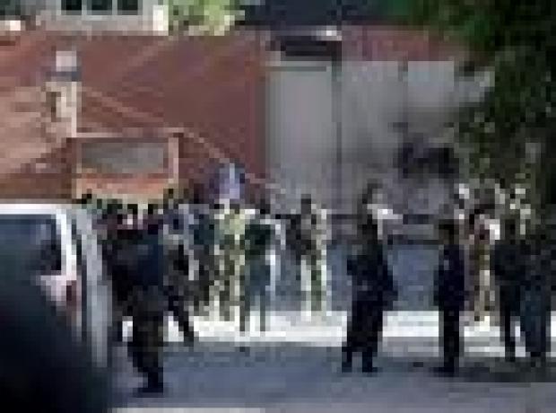 Taliban Kabil'de diplomatik bölgeye saldırdı