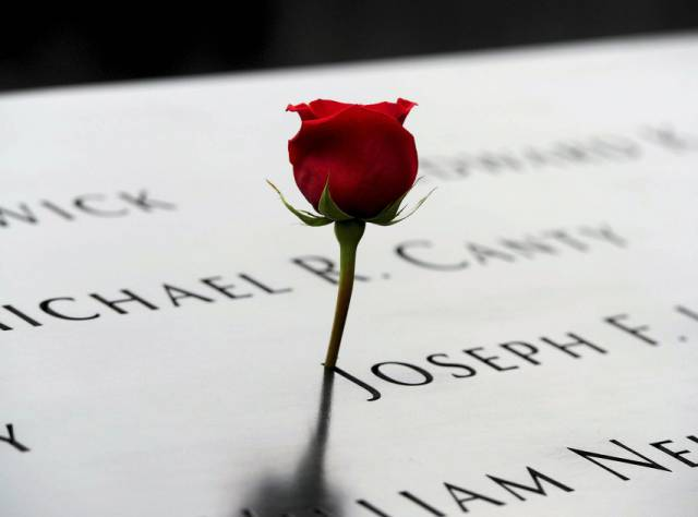 11 Eylül saldırılarında ölenler anılıyor