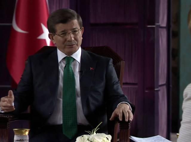 Davutoğlu: Suriye'de bütünlüklü bir stratejiden yanayız