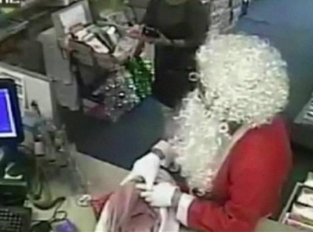 'Hırsız Noel Baba' postaneyi soydu