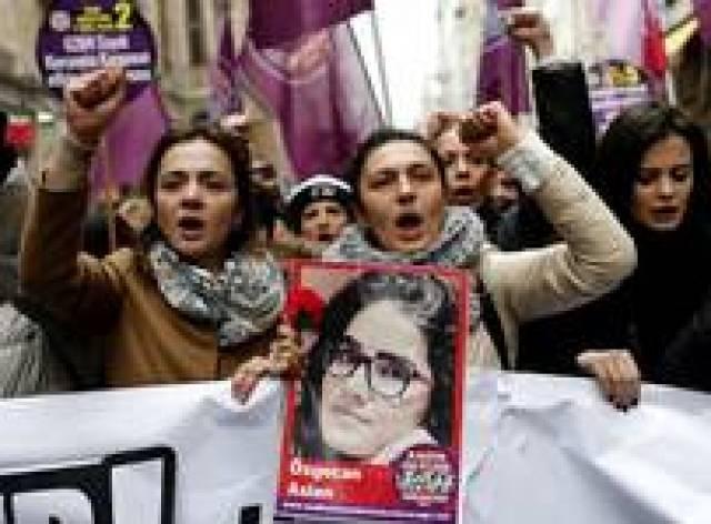 Türkiye'de her iki kadından biri şiddet mağduru
