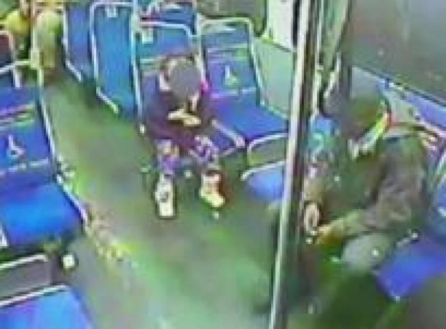4 yaşındaki kız gece 3'te meşrubat için evden kaçtı