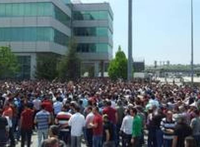 Renault işçileri 'insanca ücret' istiyor