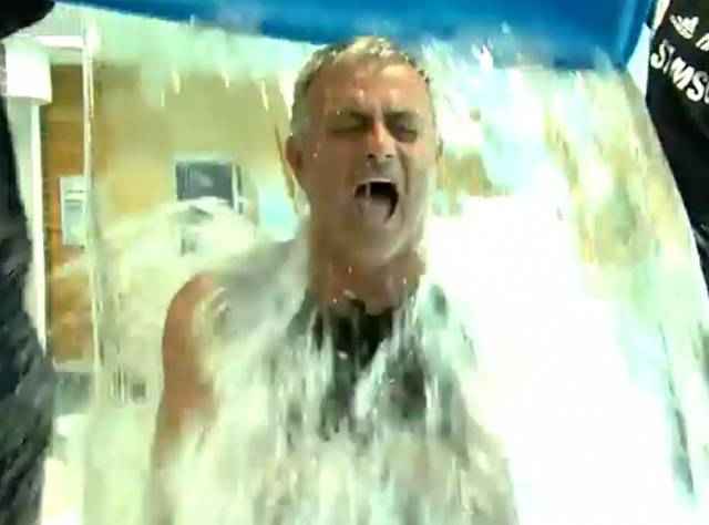 Mourinho Bu Kez Güldürdü
