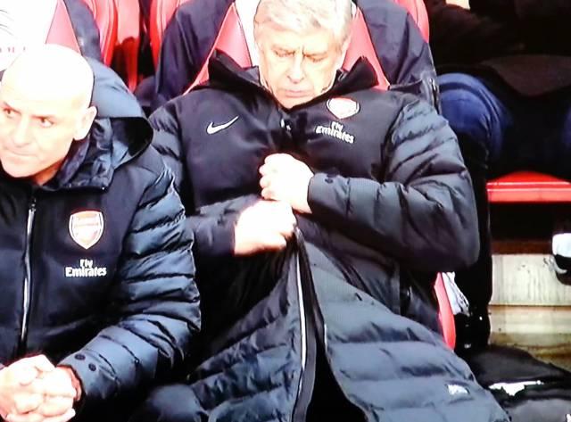 Wenger'e Fermuar Yardımı