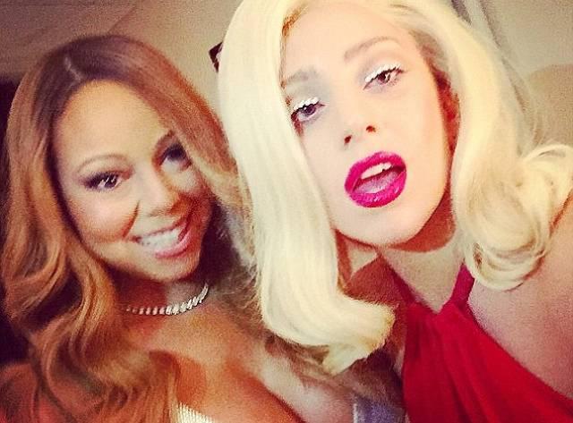 İki Diva Bir Fotoda