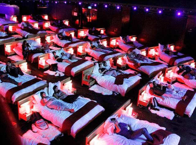 Yataklar Sinemaya Taşındı!