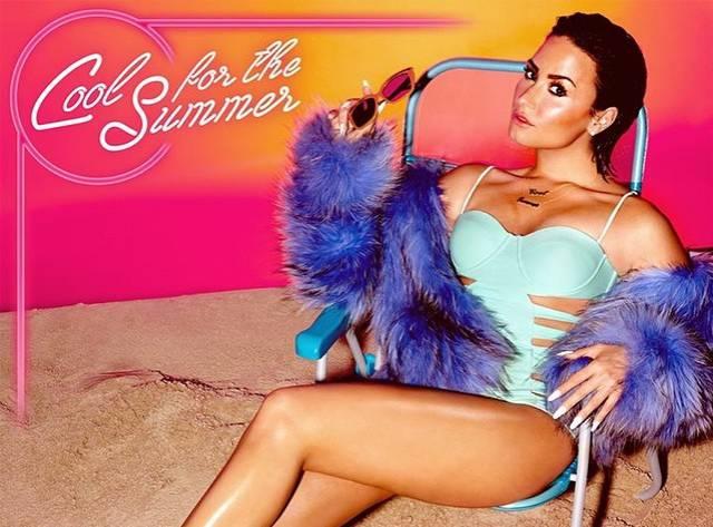 Demi Lovato Türlü Seksilikler Peşinde