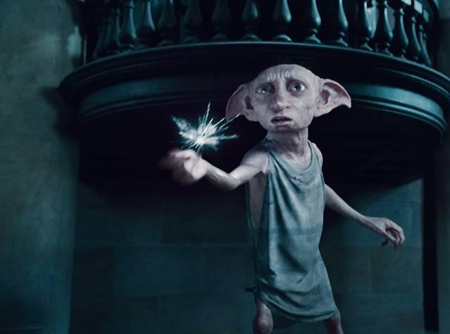 Ev Cini Dobby'ye Çorap Yağıyor
