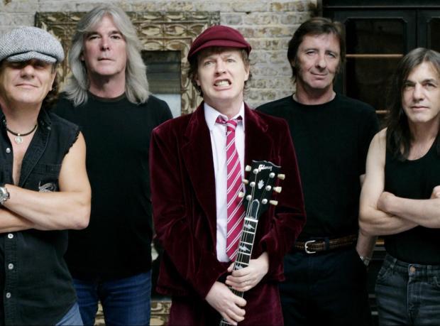 AC/DC'nin Yeni Şarkısı 'Play Ball'