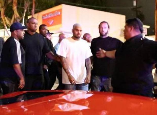 Chris Brown'a Silahlı Saldırı