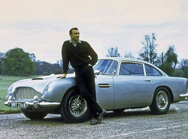 Yeni James Bond 2015'te Raflarda