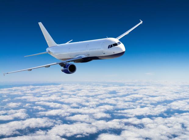 Uçak Havada, Yolcu Sarhoş