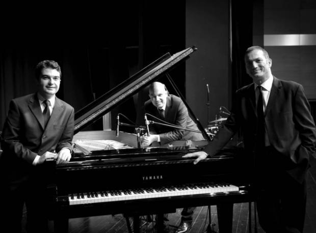 Kerem Görsev Trio / 13 Ağustos 2014