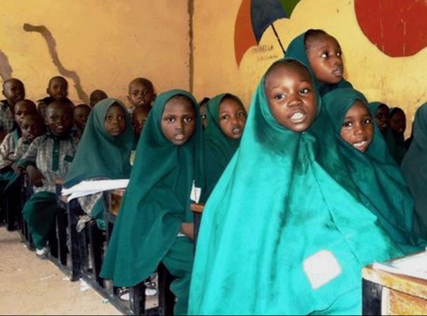 Ebola salgını: Nijerya'da okullar Ekim'e kadar kapalı