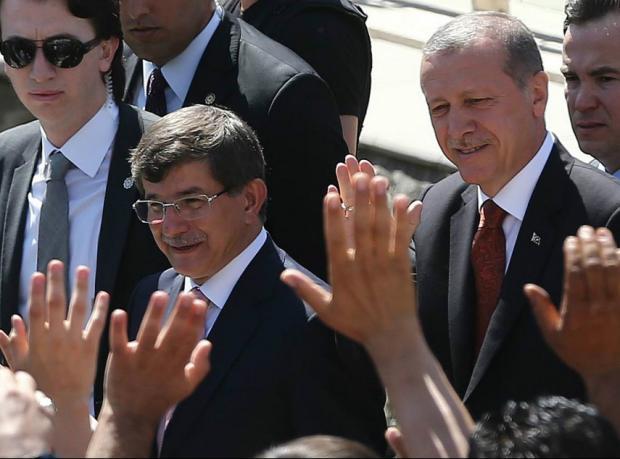 Davutoğlu hükümeti kurmakla görevlendirildi