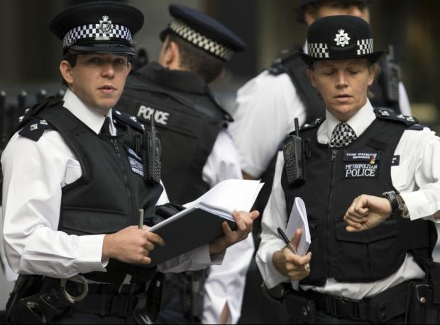 """İngiltere: """"Terör alarmı"""" seviyesi yükseltildi"""