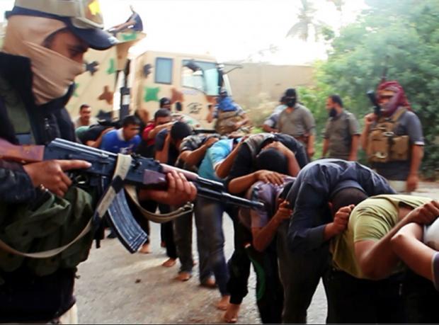Irak: IŞİD'in kaçırdığı askerlerin aileleri meclisi bastı