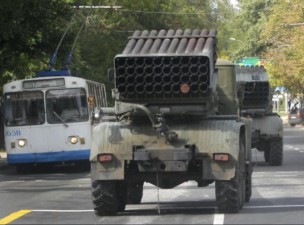 Kiev: İsyancılar ateşkesi bozuyor