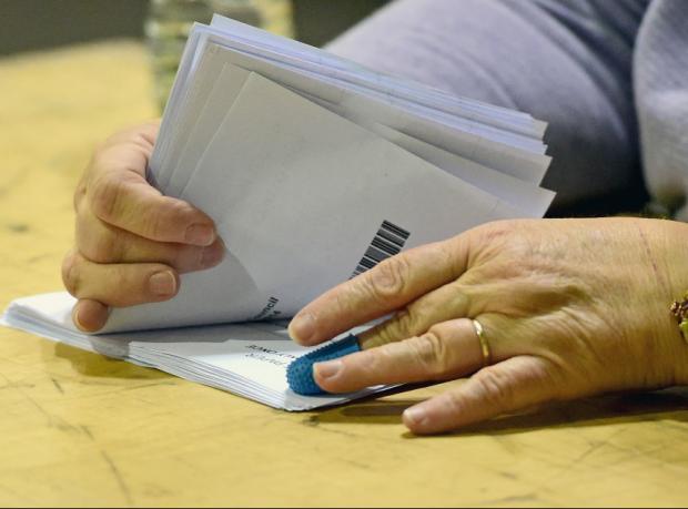 """İskoçya: Bağımsızlık oylamasında ilk sonuçlar  """"hayır"""" yönünde"""