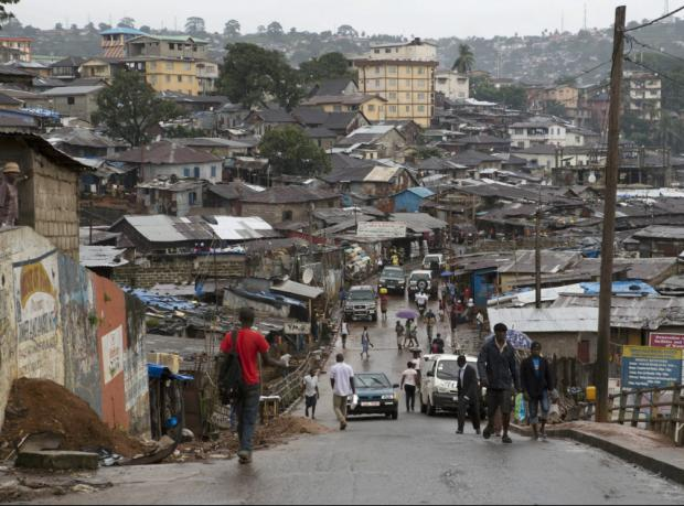 Ebola'ya karşı sokağa çıkma yasağı sona erdi