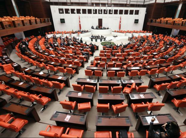 Tezkereler Meclis'te, muhalefet ne diyor?