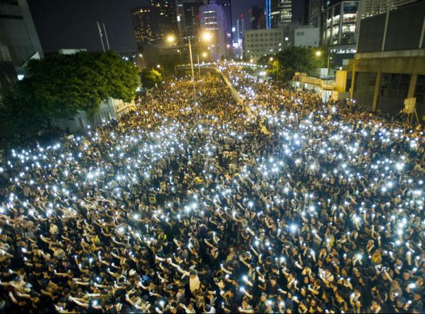 Hong Kong: Göstericiler Ulusal Gün'de de meydanda