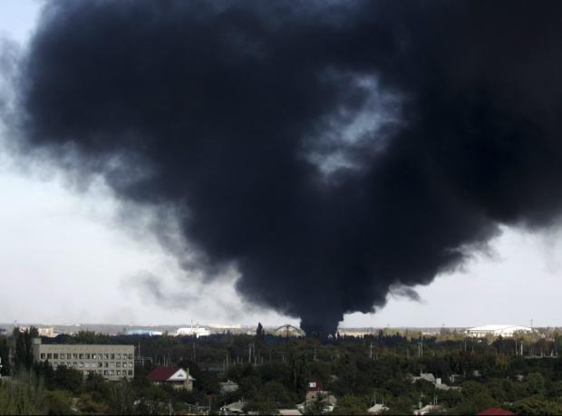 Ukraynalı isyancılar havalimanı için çarpışıyor