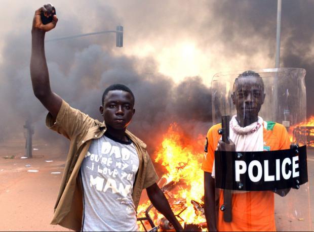 Burkina Faso: Devlet Başkanı istifa etmiyor