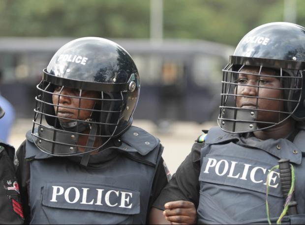 Nijerya Parlamentosu'nda biber gazlı müdahale
