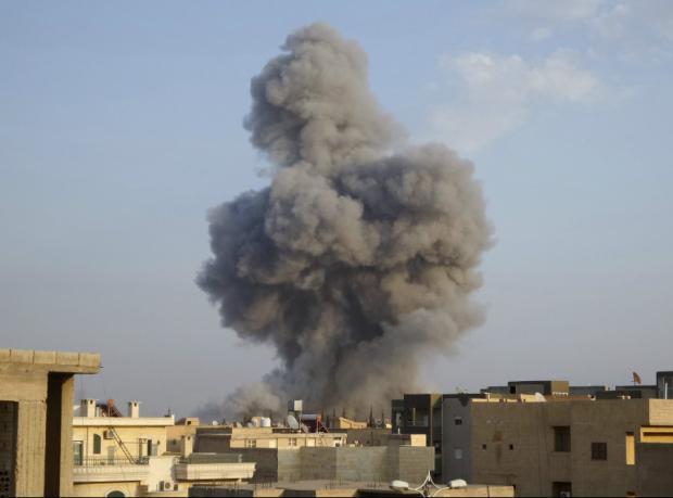 Suriye: ABD saldırıları muhalifleri IŞİD'e yaklaştırıyor