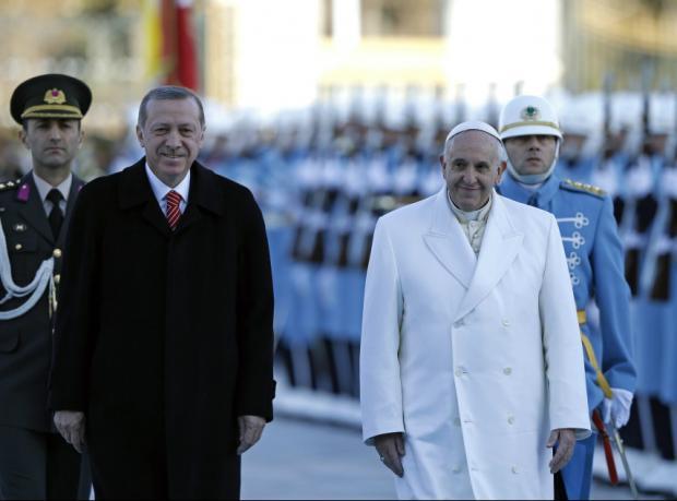 Papa Francesco Ankara'da törenle karşılandı