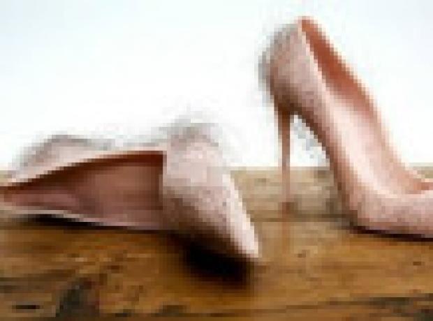 Tüm zamanların 'en tüyler ürpertici' ayakkabıları